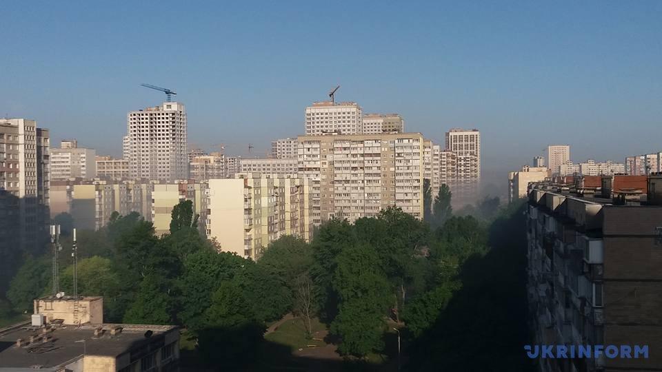 УКиєві горять сади, гаром затягнуло кілька районів