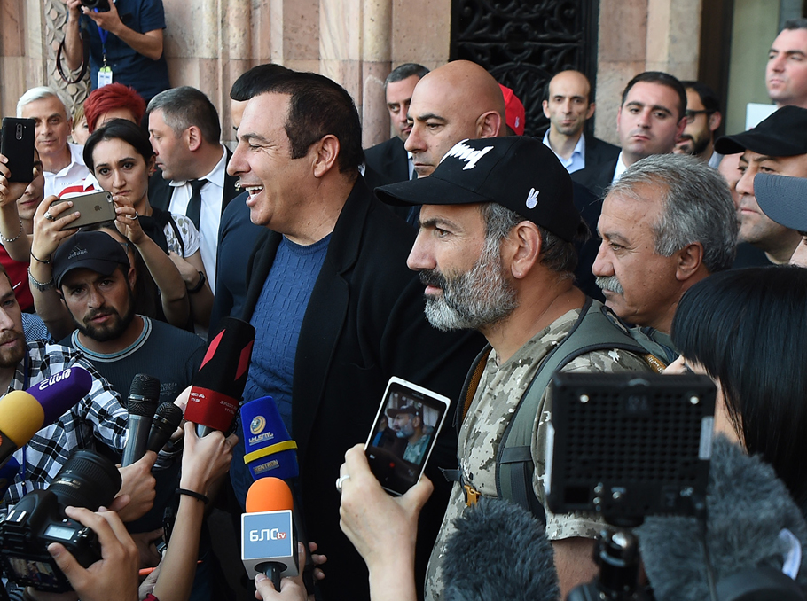 Гагік Царукян і Нікол Пашинян
