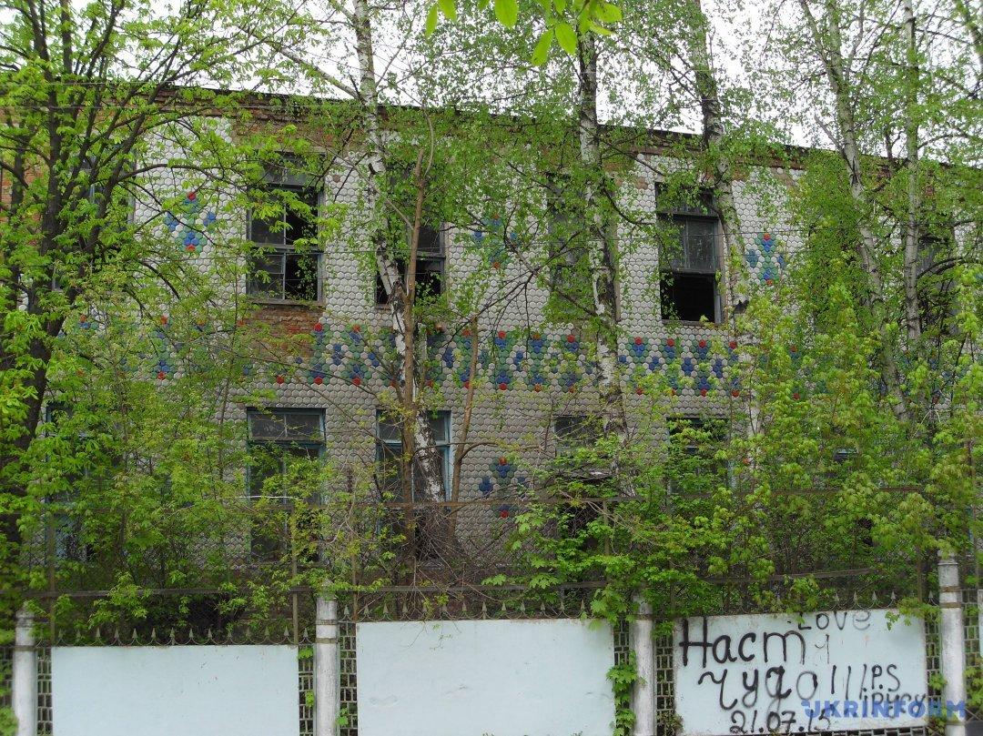 Руїни Баранівського фарфорового заводу