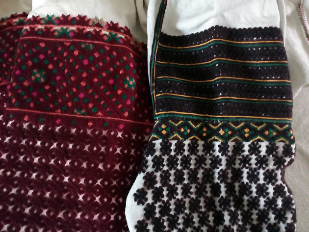 «На Покутті та Гуцульщині був дуже незручний крій сорочок. Рукави збирали в  уставок ззаду 0c18c41ad21c6