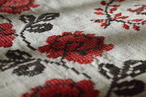 В Українському Домі в Лівані навчають вишивки