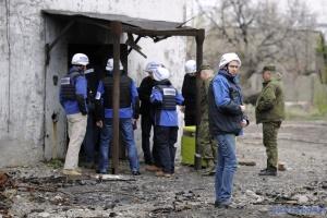 На Донеччині спостерігачі зафіксували за добу 325 вибухів
