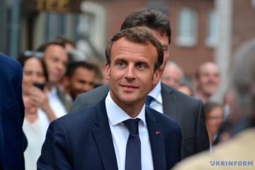 Emmanuel Macron : Je formule pour l'ensemble du peuple ukrainien des vœux de prospérité et de paix