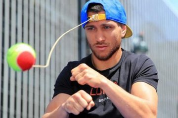 Lomachenko, Linares hold open training session in New York