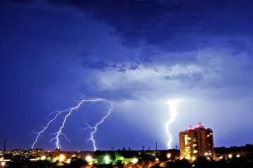 Thunderstorm, hail and strong winds expected in Ukraine today
