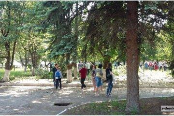 Donbass : L'école de Svitlodarsk touchée par des tirs, les élèves évacués