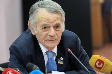 Dzhemílev: 3.500 crimeos votan en las elecciones presidenciales en Ucrania
