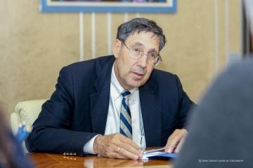 Herbst: Rusia no será capaz de influir en las elecciones en Ucrania mediante el recrudecimiento en el Donbás