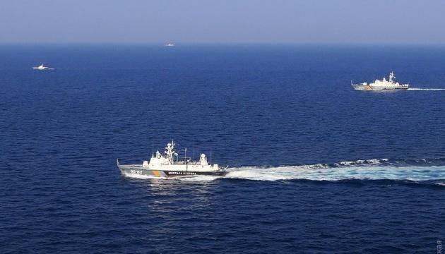 Порошенко доручив керівництву ЗСУ відреагувати на блокування РФ Азовського моря