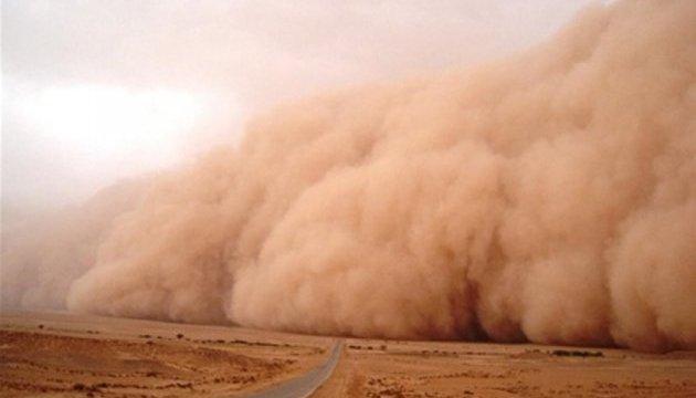 Количество жертв от пылевой бури в Индии возросло до 26 человек