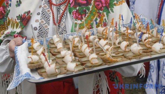 Вінниця кличе на фестиваль сала, хліба й ковбаси