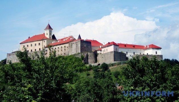 """Замок """"Паланок"""" встановив туристичний рекорд"""