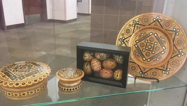 Американська бібліотека влаштовує місяць української культури