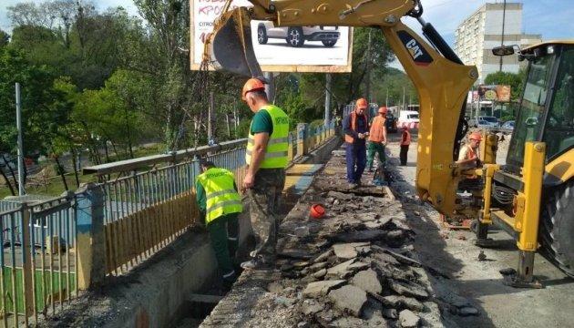 У Києві ремонтують п'ять транспортних розв'язок