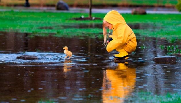 Дощ і сонце: синоптик розповіла про мінливу погоду