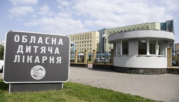 Отруєння у Черкасах: п'ятеро дітей та вчитель залишаються у лікарні