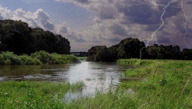 Через дощі в Захiдному Бузі та Стирі підніметься вода