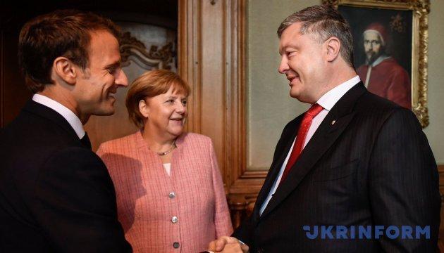 Merkel promete continuar los esfuerzos para restaurar la soberanía de Ucrania