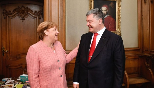 Merkel plans to visit Ukraine in November – Poroshenko