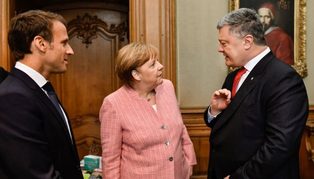 Poroshenko raises issue of additional 'Crimean' sanctions at meeting with Macron, Merkel