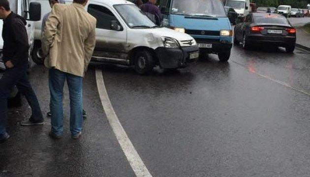 У Львові зіткнулися відразу сім авто