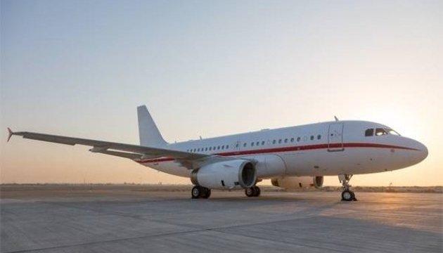 У Китаї Airbus здійснив аварійну посадку, лопнуло скло в кабіні пілотів