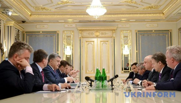 Poroshenko proposes that EU countries take patronage over cities of Donbas