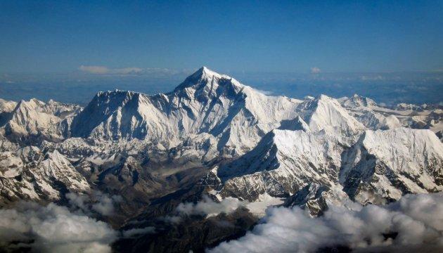 Японский альпинист умер во время восьмой попытки покорить Эверест