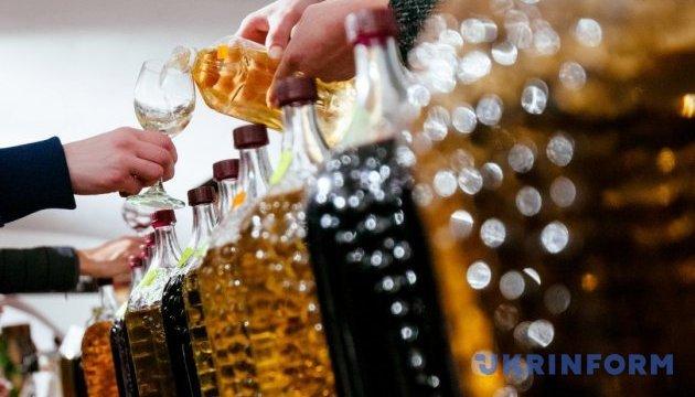 В Ужгороде рассказали, когда откроют первую бочку молодого вина