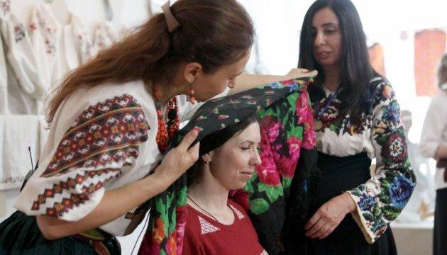 У Харкові показали вбрання українських модниць ХІХ-ХХ століть