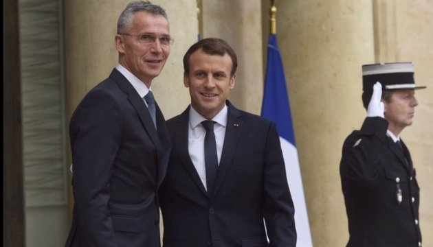 Macron, Stoltenberg discuss security situation in Ukraine