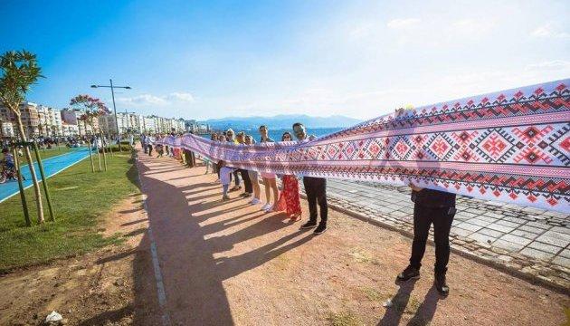 У турецькому Ізмірі розгорнули рекордну українську