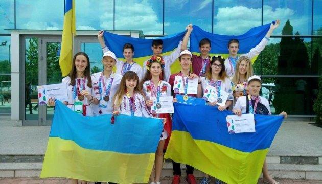 Украинские ученики завоевали 11 медалей на международном конкурсе INFOMATRIX