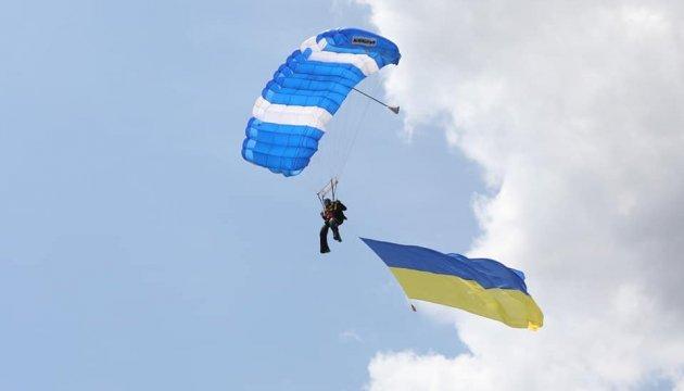 Одесситы отметили День Европы морской регатой и авиашоу