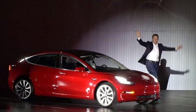 Електрокар із двома моторами: Маск розповів про новинку від Tesla