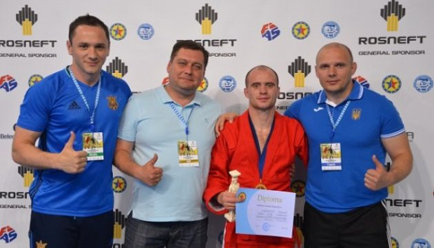 Украинские самбисты завоевали 19 наград на чемпионате Европы в Афинах