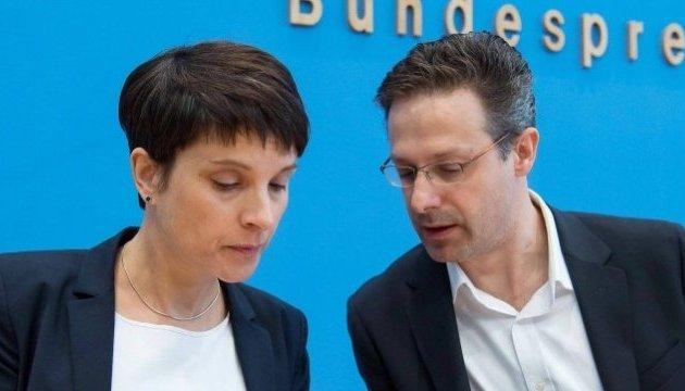 РФ в прошлом году заплатила за частный перелет немецких политиков в Москву - СМИ