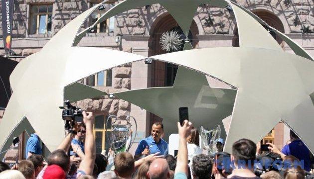 Лига чемпионов: яркая футбольная фиеста царит в столице Украины