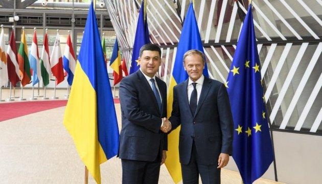 В Брюсселе начались переговоры Гройсмана и Туска