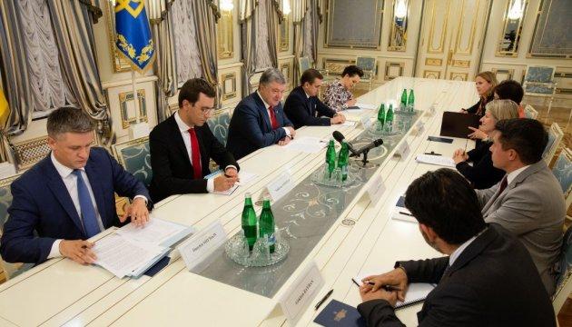 Poroshenko meets with leadership of General Electric