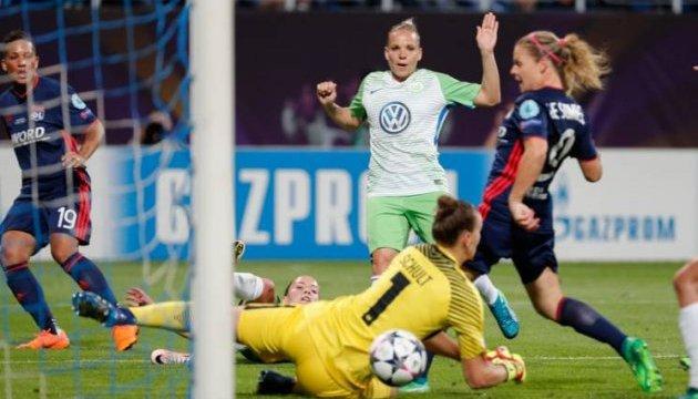 """UEFA розводить руками, бо  не може прибрати """"Газпром"""" з київських стадіонів"""