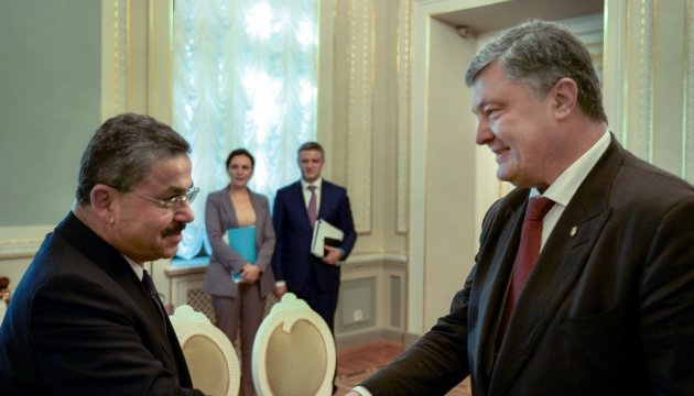 Poroshenko discusses with Turkcell chairman the prospects for supporting program of rural medicine