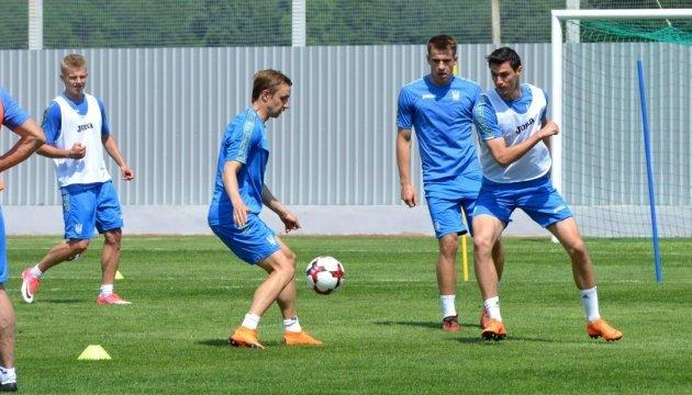 Ярмоленко и Лукьянчук уже в расположении сборной Украины
