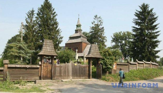 Церква Святого Духа в Рогатині: молитви Роксолани, з'явлення Богородиці та богослужіння в музеї