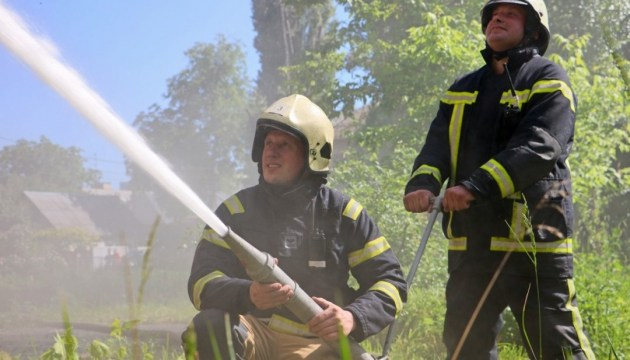 Пожар возле военных складов в Калиновке ликвидировали