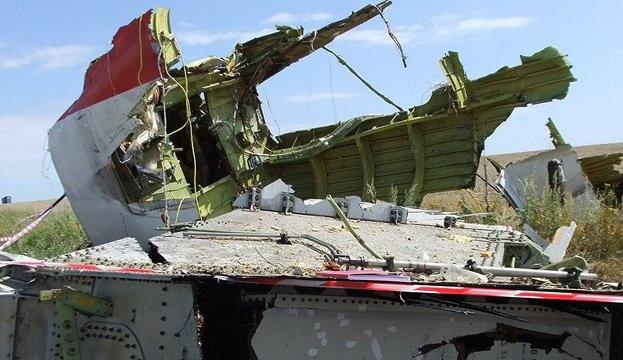 Порошенко подписал законы о международном сотрудничестве по катастрофе МН17