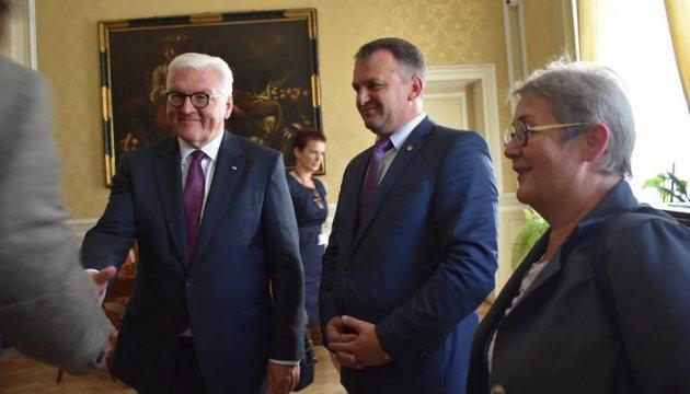 Frank-Walter Steinmeier besichtigt Potocki-Palast in Lwiw - Foto