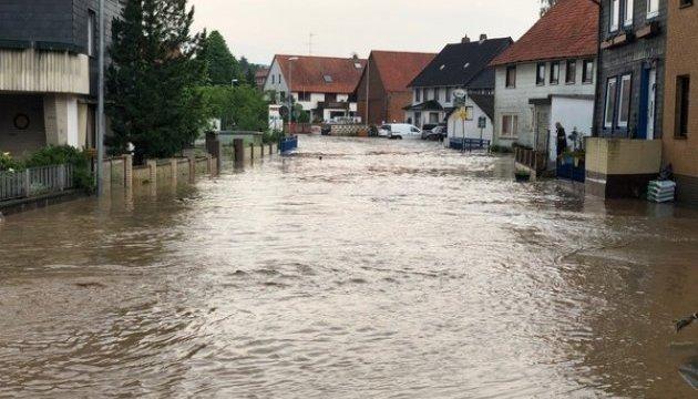 У Німеччині – урагани, повені та рекордна спека