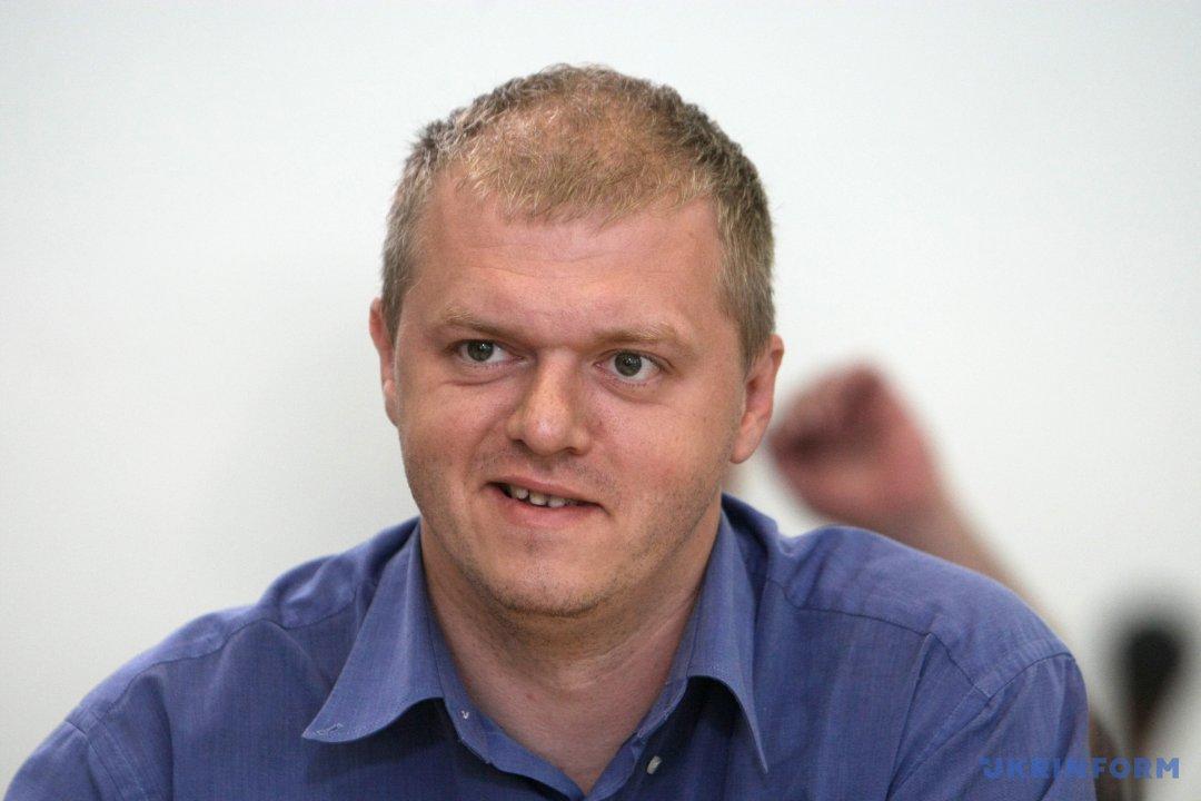 Дмитро Дубов