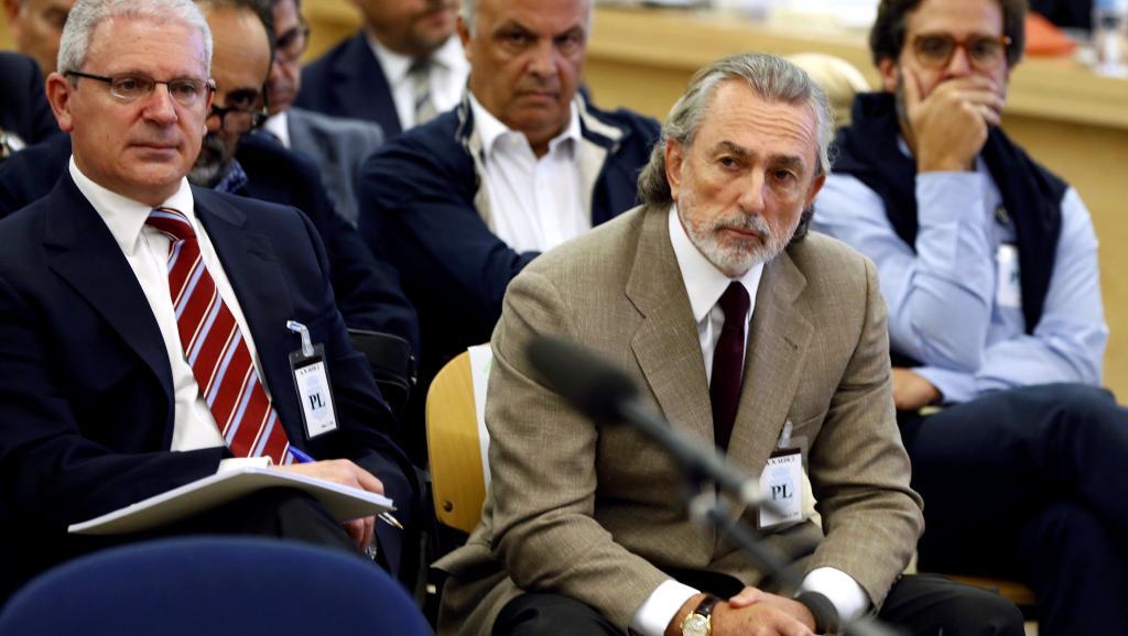 Іспанського бізнесмена Франциско Корреа (праворуч) і його дружина опинилися на нарах на 52 і 14 відповідно